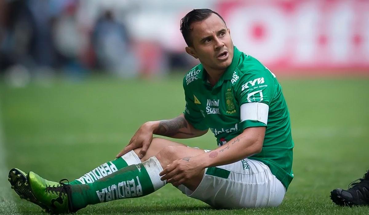 Luis Montes causa baja indefinida con León por lesión muscular; el equipo no brindó un tiempo de recuperación
